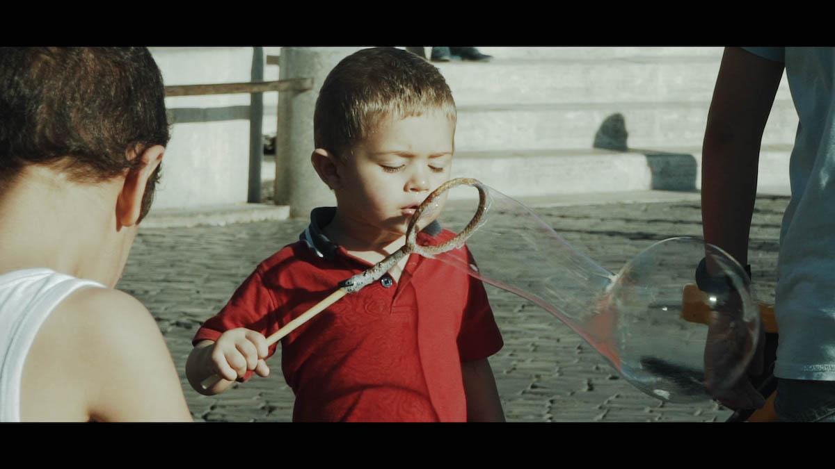 enfant rome slow motion
