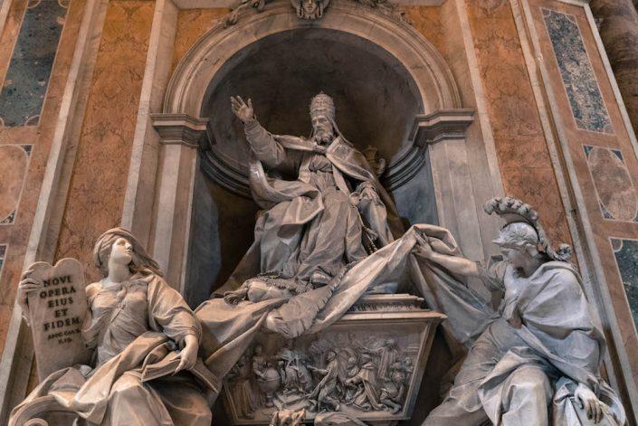 statue vatican interieur basilique saint pierre vatican